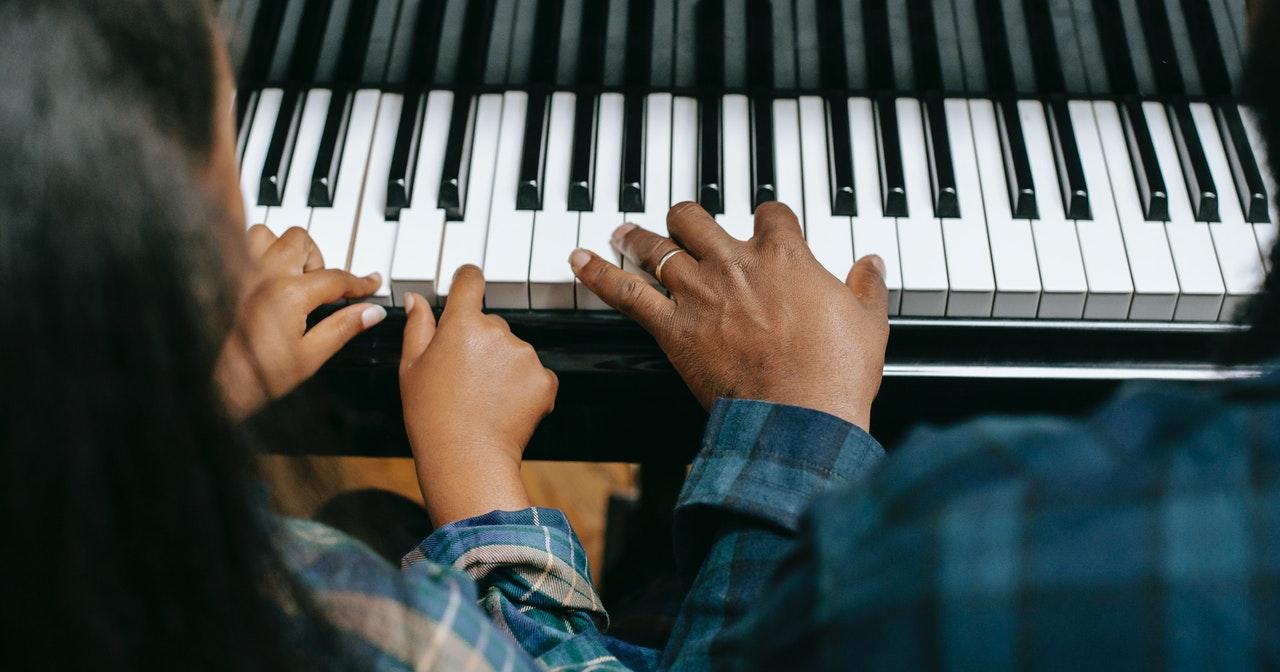 belajar muzik